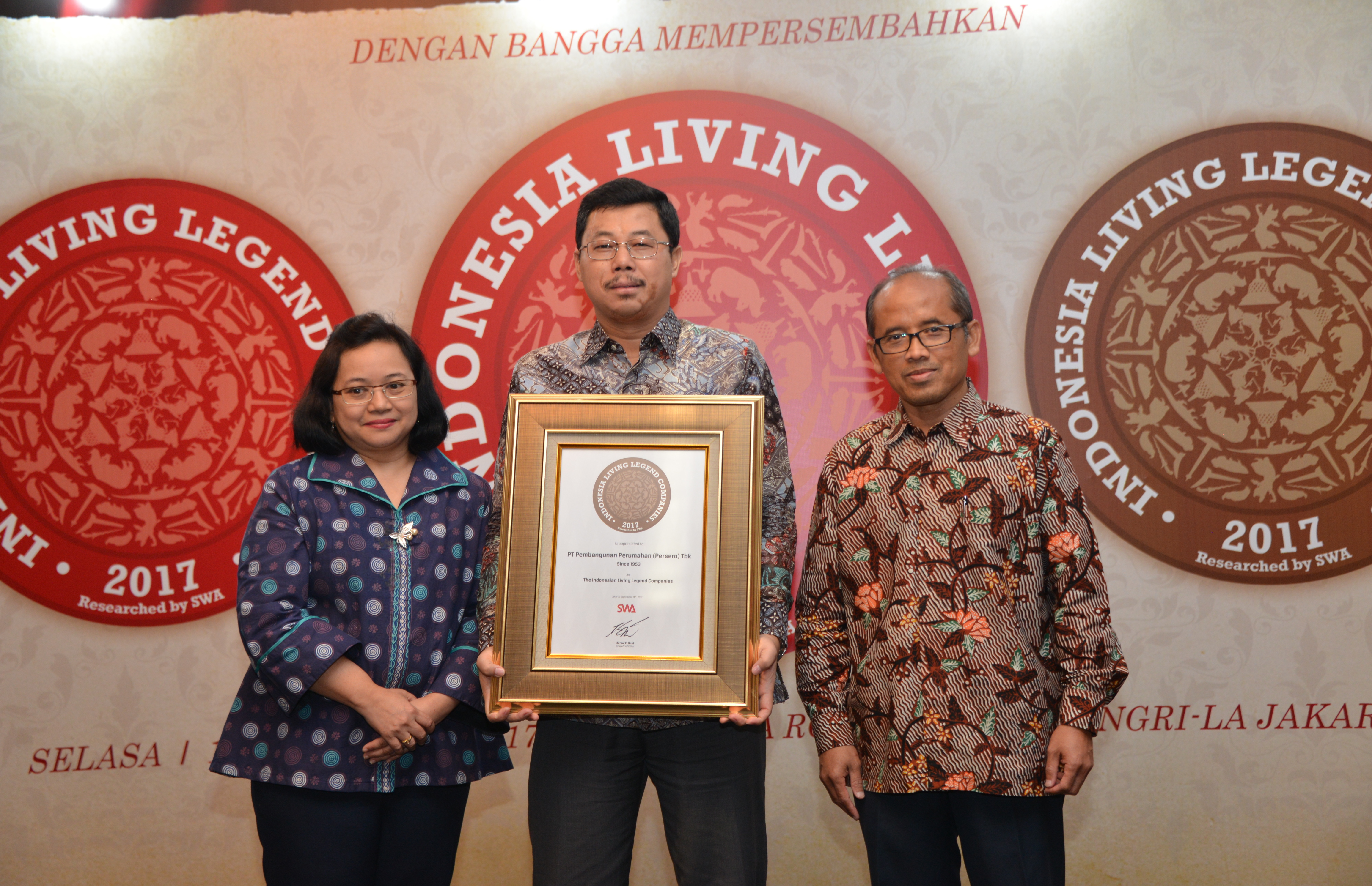 PTPP Raih Indonesia Living Legend Companies 2017
